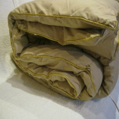Одеяло  из верблюжьей шерсти в тике